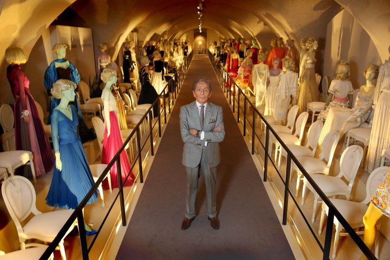 Лондон, Англия, 28 ноября. В Сомерсет-хаусе открывается выставка итальянского дизайнера Валентино Гаравани «Валентино: мастер высокой моды». Фото: Peter Macdiarmid/Getty Images for Somerset House