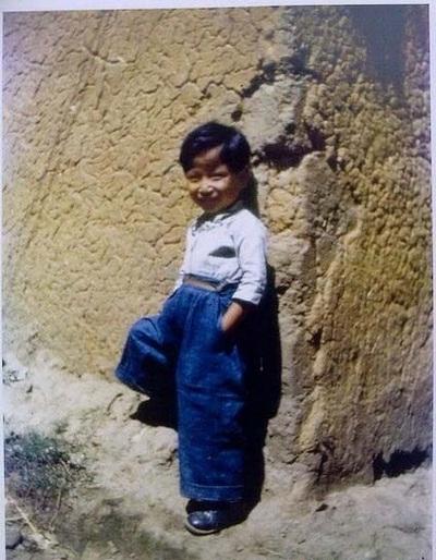 Маленький мешканець міста Куньмін. Провінція Юньнань в 1945 році