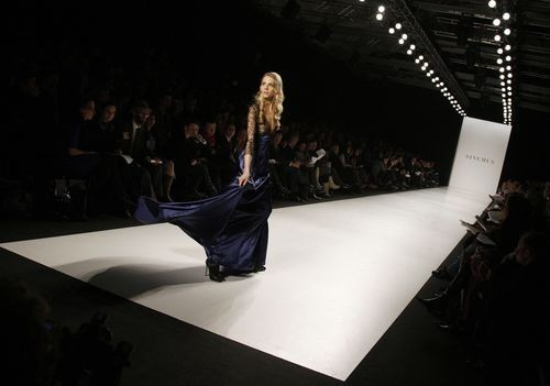 Коллекция женской одежды весна/лето 2008 и осень / зима 2008/2009, представленная 27-31 января на показе мод в Берлине. Фото: AFP / Getty Images