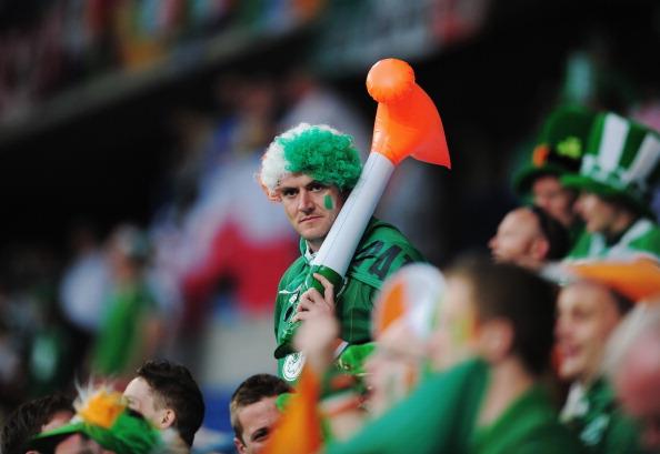 Сектор ирландских болельщиков во время матча Ирландии и Хорватии на 10 июня 2012 года в Познани, Польша. Фото: Jamie McDonald/Getty Images