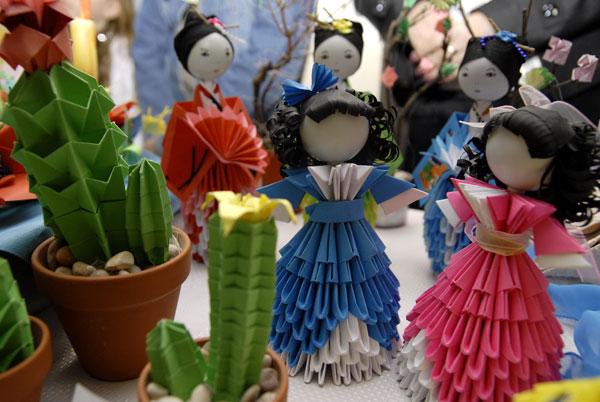 Бумажные фигурки на фестивале Одаренные дети Украины в Киеве 28 мая 2008 года. Фото: The Epoch Times