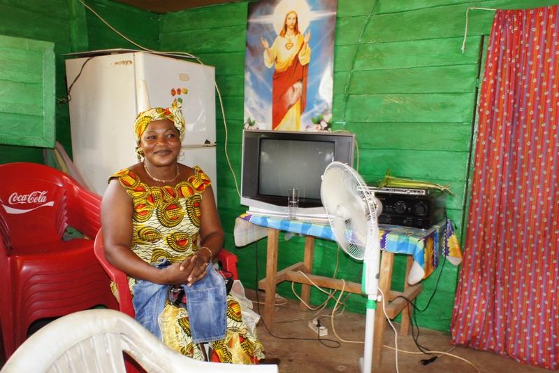 Холодильник, телевізор, вентилятор — ознака добробуту. Фото: Олександр Африканець