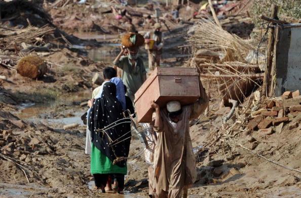 Повені в Пакистані приносять нові жертви. Фоторепортаж. Фото: Daniel Berehulak / A Majeed / RIZWAN TABASSUM / BEHROUZ MEHRI / STRDELARIF ALI / SAJJAD QAYYUM / / RIZWAN TABASSUM / AFP / Getty Images