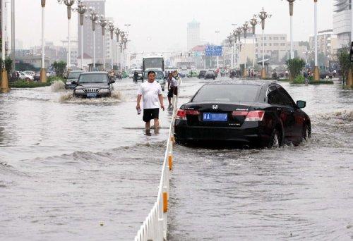 Наводнение в городе Шицзячжуан. Фото с epochtimes.com
