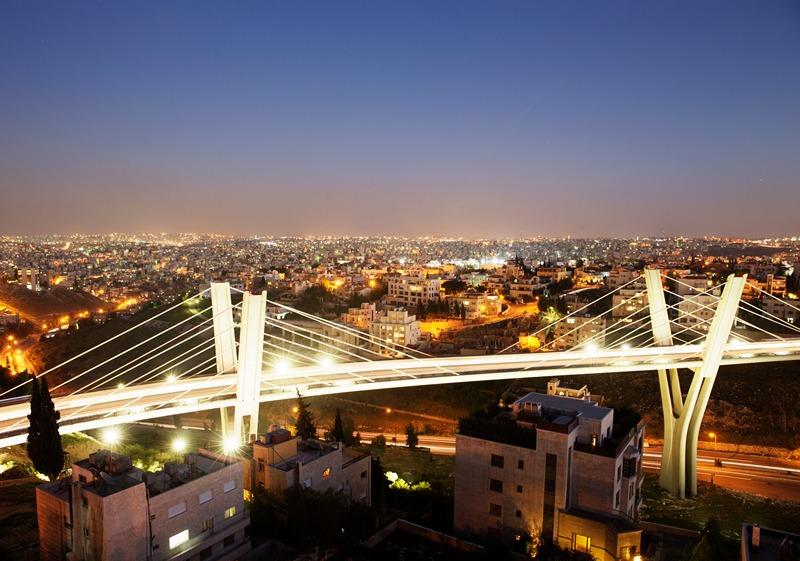 Столица Иордании, Амман. Город ночью. Фото: Adam Pretty/Getty Images