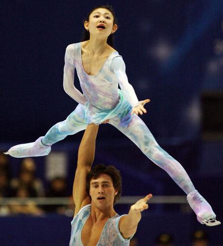 Російська пара Yuko Kawaguchi і Alexander Smirnov на чемпіонаті світу з фігурного катання. Фото: TOSHIFUMI KITAMURA/AFP/Getty Images