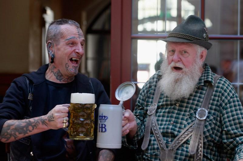 Мюнхен, Германия, 18 сентября. Жители города готовятся к пивному фестивалю «Октоберфест». Фото: Johannes Simon/Getty Images