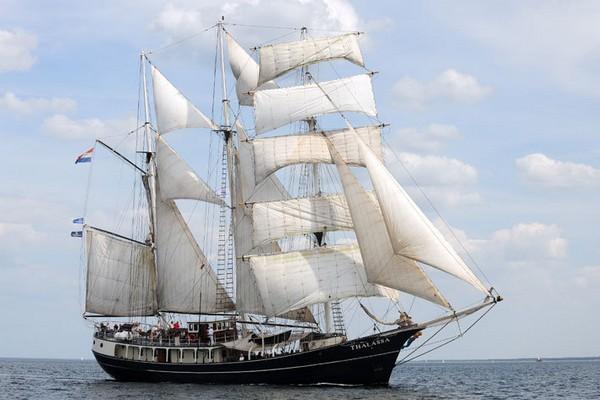 Голландская баркентина Thalassa. Построена в 1980 году как рыболовецкое судно и назвалась Relinquenda. В 1984 году столкнулась с обломками корабля Второй мировой войны. Выведена из эксплуатации. Фото: Archiv Hanse Sail Rostock