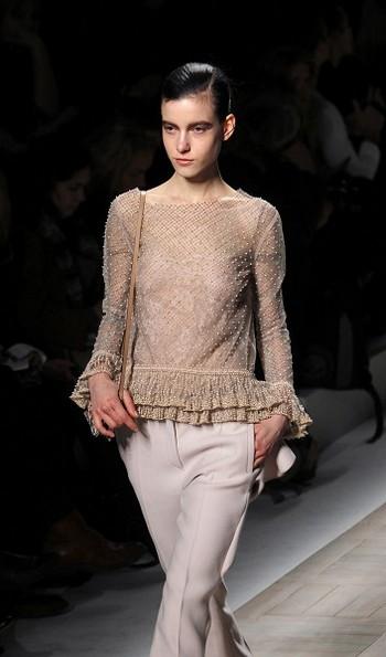 Коллекция Valentino на Неделе моды в Париже. Фото: AFP