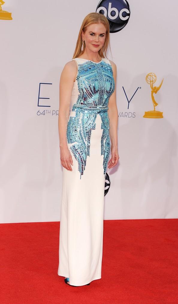 Розкішні сукні знаменитостей на Еммі-2012. Фото: ROBYN BECK/AFP/GettyImages