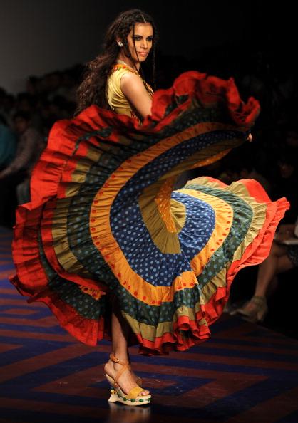Коллекции от Ashish Viral и Wills Lifestyle на Неделе моды в Нью-Дели, Индия. Фото MANPREET ROMANA/AFP/Getty Images