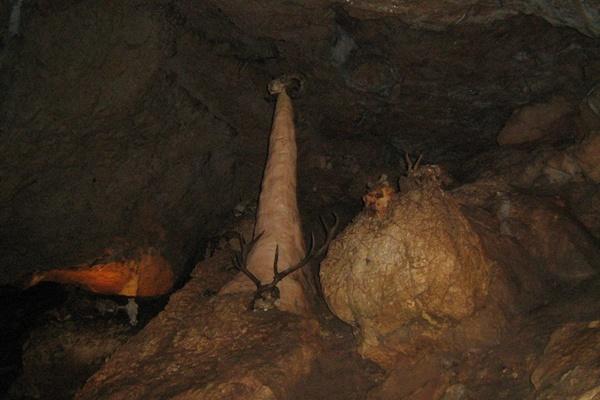Всередині Червоних печер.Фото:Павло Хулін/The Epoch Times Україна