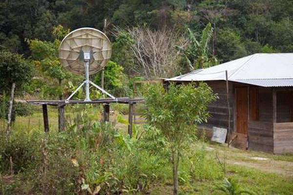 Село між руїнами стародавньої цивілізації майя та супутниковим телебаченням. Фото: Jutta Ulmer