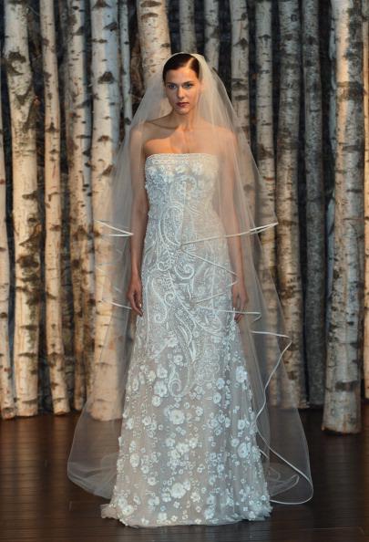 Свадебные платья от Naeem Kahn. Фото: Slaven Vlasic/Getty Images