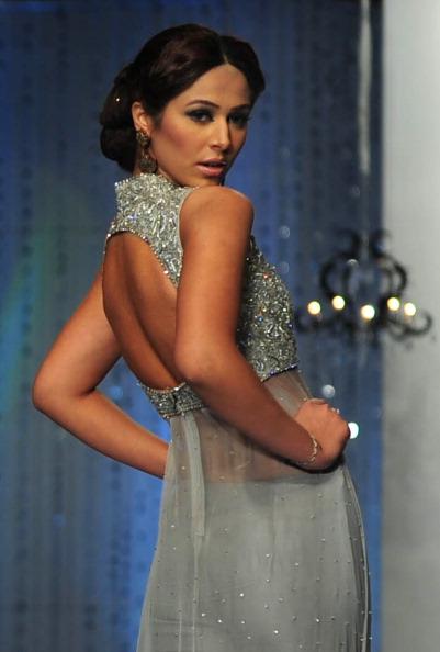 Показ колекції від Mehdi на Пакистанському тижні моди. Фото: Photo credit should read ASIF HASSAN/AFP/Getty Images