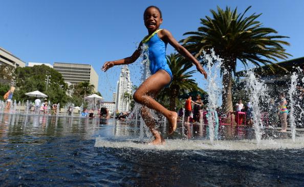 Європа, Ірак та США потерпають від аномальної спеки. Фото: FREDERIC J. BROWN/AFP/Getty Images