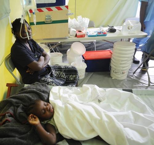 Холера на Гаїті забрала життя більше 2,4 тисячі осіб. Фото: THONY BELIZAIRE/Getty Images