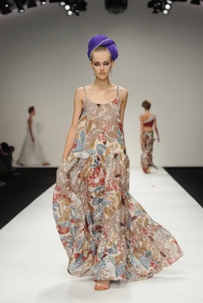 Презентация коллекции Issa Весна/лето на Неделе моды 2011 в Лондоне. Фото Ian Gavan/Getty Images for Issa