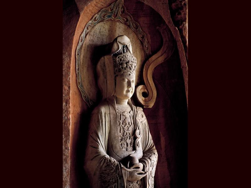 Гуаньинь в белых одеждах в пещере Северных гор (фрагмент). Фото: eluosi/magazeta.livejournal.com