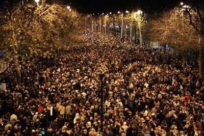 Мешканці та гості Лондона зібралися разом, щоб побачити святковий феєрверк. Фото: Getty Images