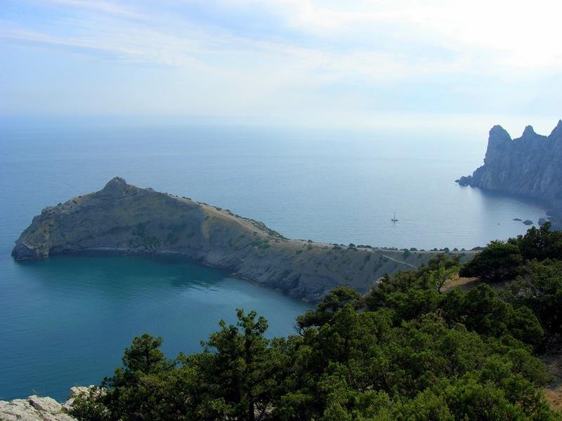 Крым, Новый свет, вид с вершины Орла на Синюю и Голубую бухты. Фото: Алла Лавриненко/Великая Эпоха