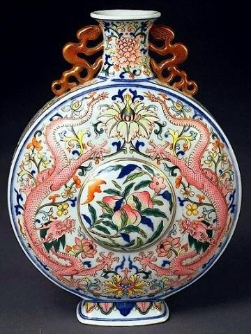 Зображення драконів на начинні Стародавнього Китаю. Фото з kanzhongguo.com