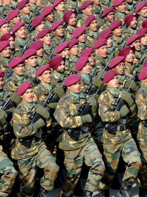 Солдаты на параде в честь Дня Республики. Нью-Дели, Индия, 26 января 2012 г. Фото: RAVEENDRAN/AFP/Getty Images