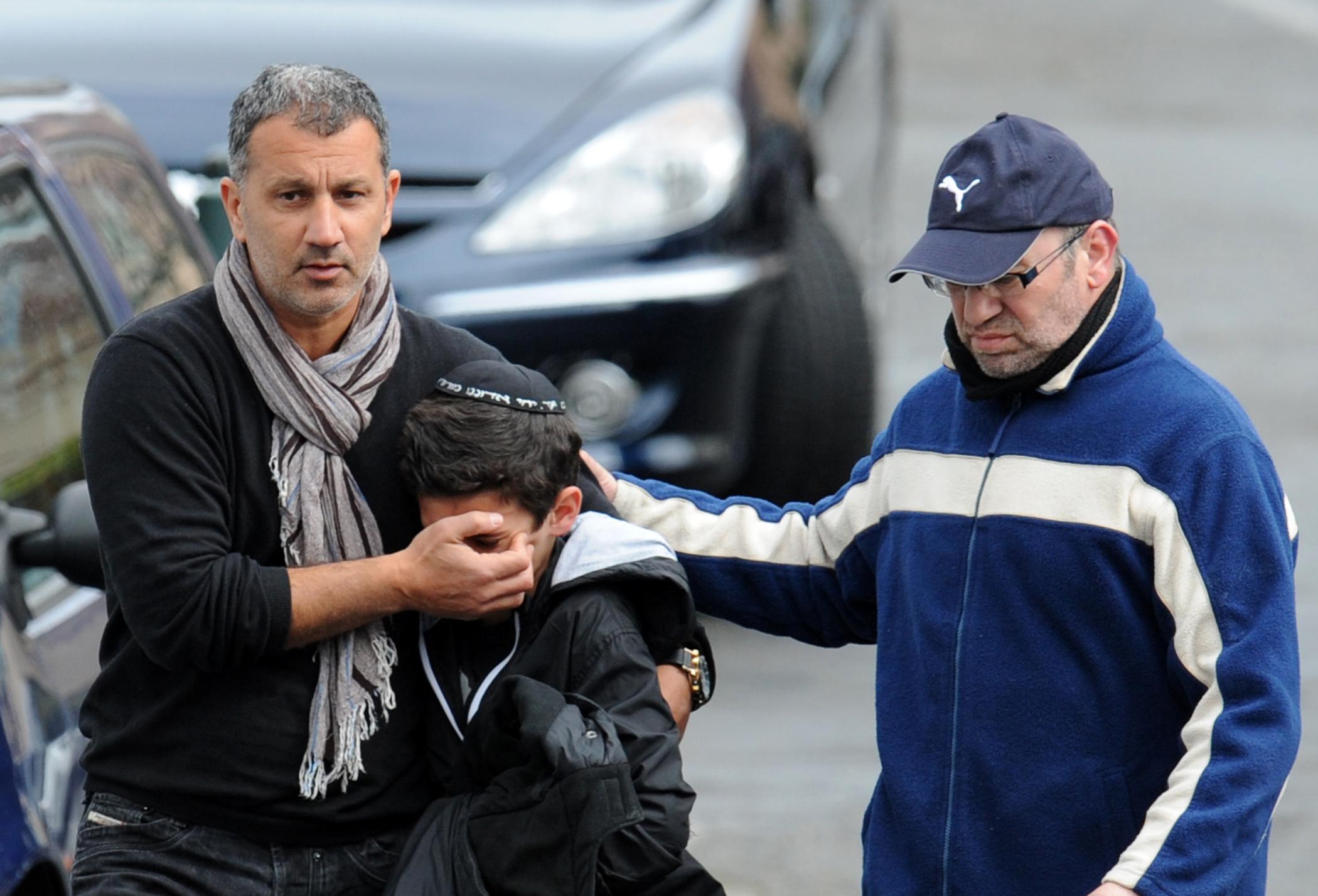 Франція сумує за жертвами в Тулузі. Фото: KENZO TRIBOUILLARD/AFP/Getty Images