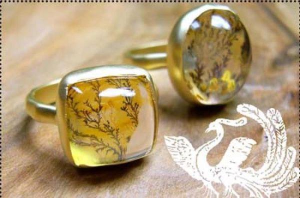 Немного природы: золотые кольца с растительным узором. Фото: www.indulgems.com