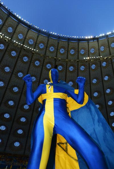 Київ — 19червня: шведський фан на матчі між Швецією та Францією на Олімпійському стадіоні. Фото: Lars Baron/Getty Images