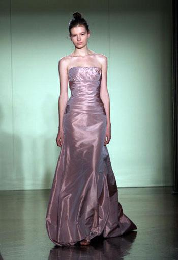 Коллекция свадебных нарядов от Веры Ван (Vera Wang), представленная в Нью-Йорке. Фото: Scott Gries/Getty Images