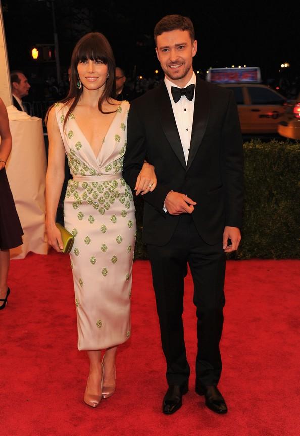 Джессіка Біл у сукні Prada і Джастін Тімберлейк. Фото: Larry Busacca/Getty Images