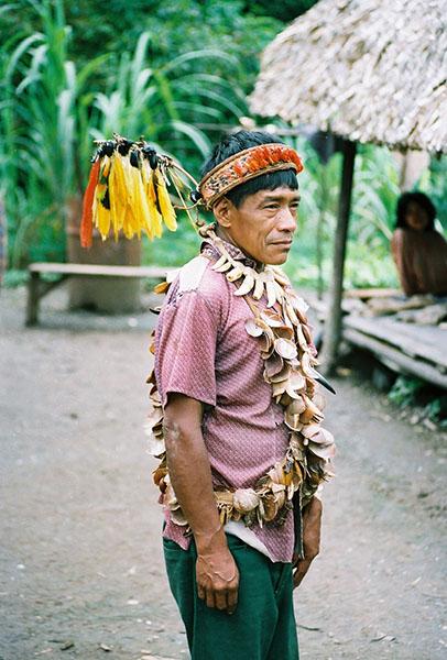 Шаман індіанського племені Ураріна. Фото: Bartholomew Dean/bg.wikipedia.org