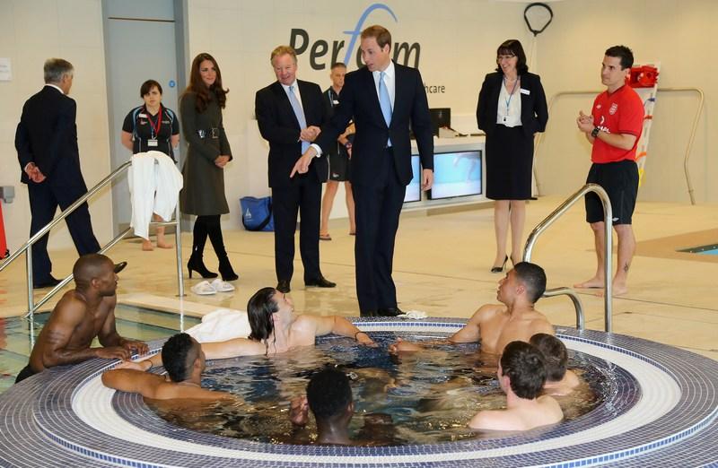 Бёртон-апон-Трент, Англия, 9 октября. Принц Уильям с супругой Кэтрин приняли участие в открытии национального футбольного центра. Фото: Chris Jackson — Pool/The FA via Getty Images