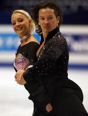 Російські фігуристи Oksana Domnina і Maxim Shabalin на чемпіонаті в Токіо. Фото: TOSHIFUMI KITAMURA/AFP/Getty Images