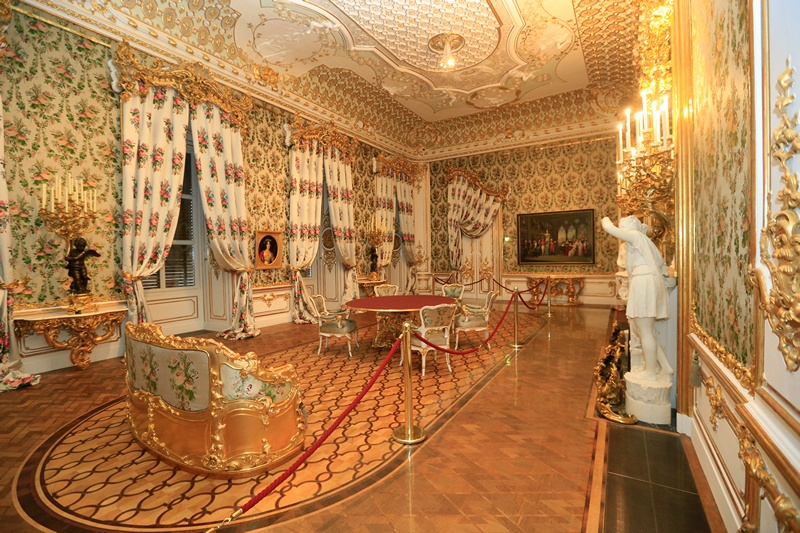 Відень, Австрія, 9 квітня. Після реставраційних робіт знову відкрився для відвідувачів палац князівської родини Ліхтенштейнів. Фото: ALEXANDER KLEIN/AFP/Getty Images
