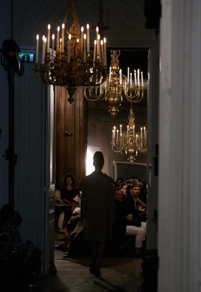 Парижская неделя моды: возвращение к ретро от Дома моды Rochas. Фото: Franck Prevel/Getty Images