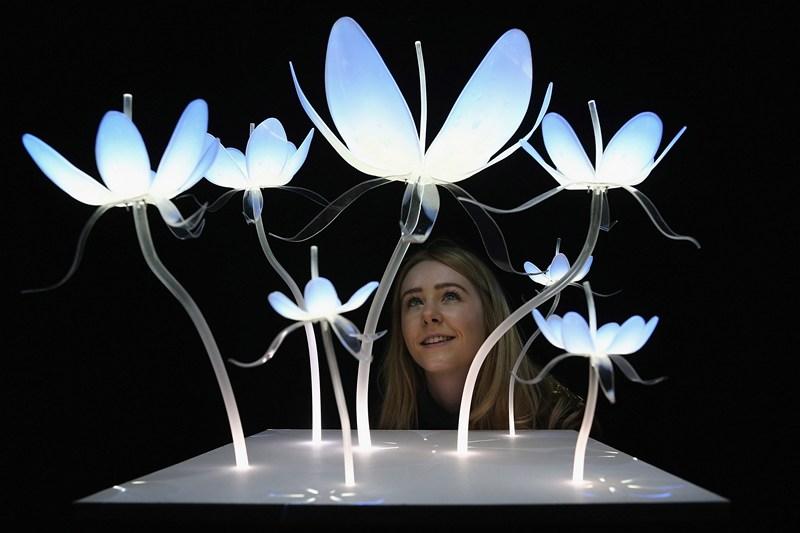 Лондон, Великобританія, 28 лютого. У холі «Ambika P3» Вестмінстерського університету відкрилася виставка динамічного мистецтва. На фото робота «Краса, що вислизає». Фото: Dan Kitwood/Getty Images