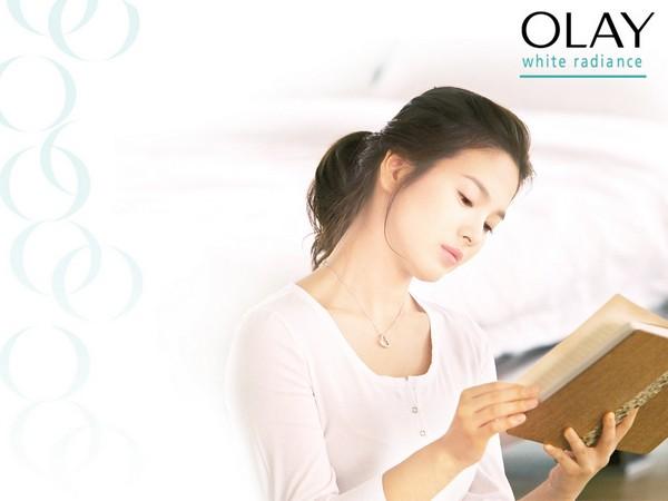 Зірки китайського і корейського кіно рекламують продукцію Оlay. Фото з kanzhongguo.com