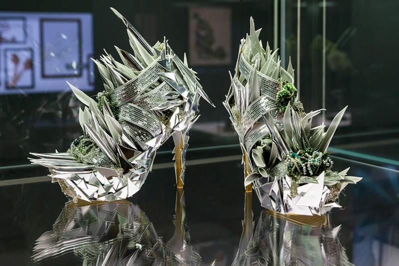 Лейпциг, Німеччина, 27 березня. У музеї Грассі проходить виставка оригінального взуття. Фото: Joern Haufe/Getty Images