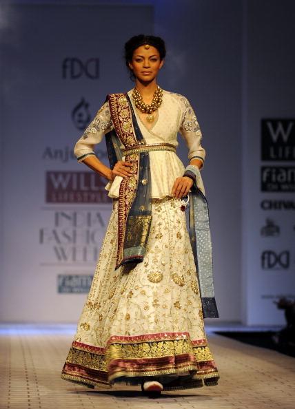 Колекції від індійських дизайнерів на Тижні моди в Нью-Делі. Фото PRAKASH Singh/afp/getty Images