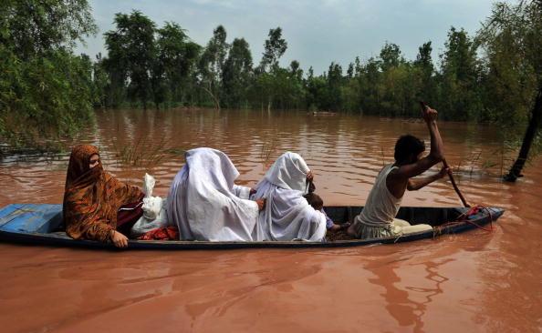 Повені в Пакистані забрали життя більше 1100 людей. Фоторепортаж. Фото A. MAJEED / RIZWAN TABASSUM / AFP / Getty Images