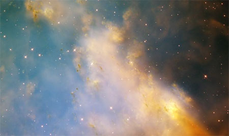 13 февраля 2003 г. Туманность Гантель (М27, NGC 6853). Фото: NASA and The Hubble Heritage Team (STScI/AURA)