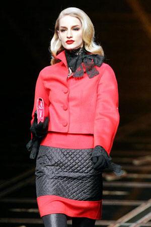 Валентино (Valentino). Колекція ready-to-wear осінь-зима 2007/2008. Фото: FRANCOIS GUILLOT/AFP/Getty Images