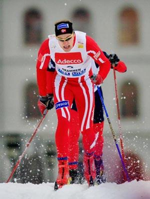 Норвежець Берре Несс (Boerre Naess) під час етапу Кубка світу з лижних гонок класичним стилем. Фото: DANIEL SANNUM-LAUTEN/AFP/Getty Images
