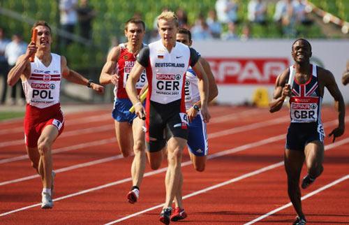 Мюнхен. Германия. Спортсмены участвуют в забеге на 3000 метров во время  Кубка Европы-2007 по лёгкой атлетике.  Фото: Alexander Hassenstein/Bongarts/Getty ImagesImages