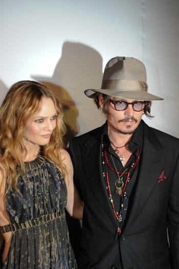 Джонни Депп и Ванесса Паради. Фото: MARTIN BUREAU/AFP/Getty Images