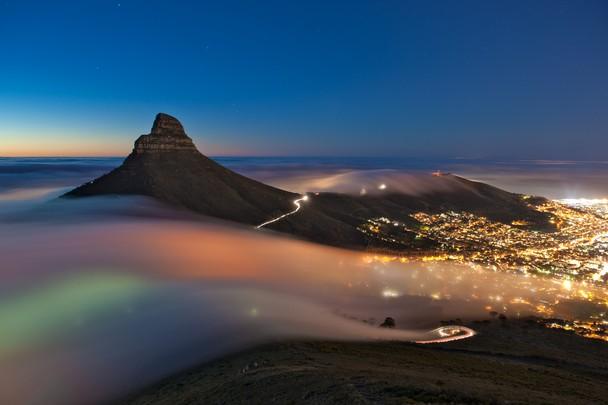 Туман над Кейптауном. ЮАР. Фото: Eric Nathan/travel.nationalgeographic.com