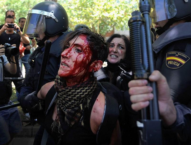 Мадрид, Испания, 11 июля. В городе продолжаются столкновения бастующих шахтёров с полицией. Фото: Denis Doyle/Getty Images
