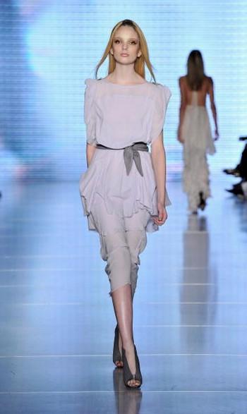 Коллекция Ginger & Smart на австралийской Неделе моды весна-лето 2010/11. Фото: Stefan Gosatti/Getty Images